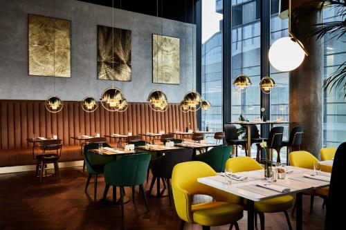 Crowne-Plaza-Warsaw-The-HUB_Restaurant-Nova-Wola-12